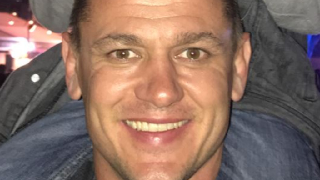 Family 'devastated' over disappearance of former NRL player Chad Robinson
