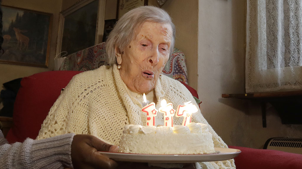 World's oldest woman celebrates 117th birthday in style