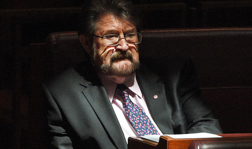 Key crossbench senators Derryn Hinch (pictured) and Rod Culleton are confident they can break the backpacker tax impasse. (AAP)