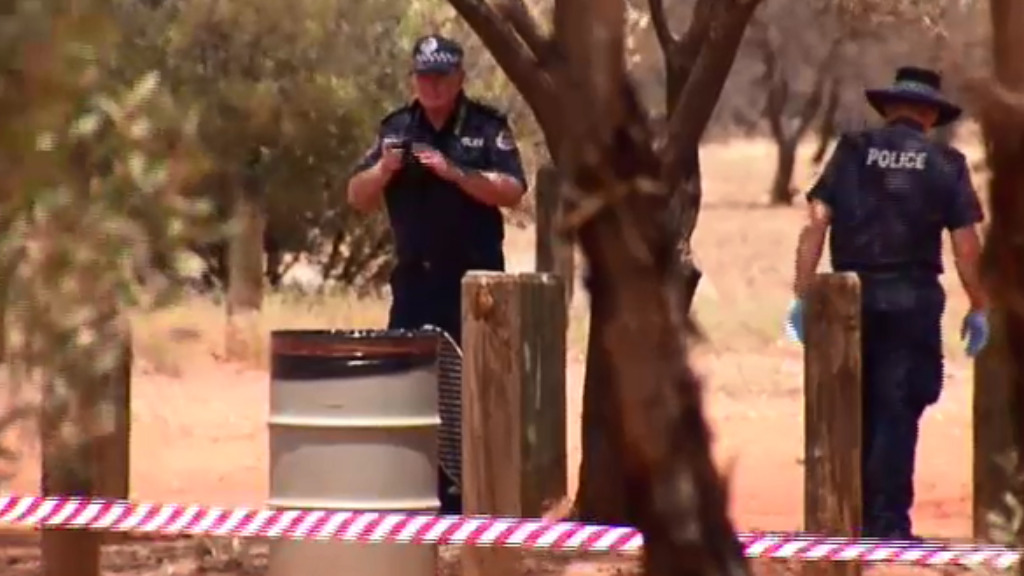 Police scoured the crime scene for evidence. (9NEWS)