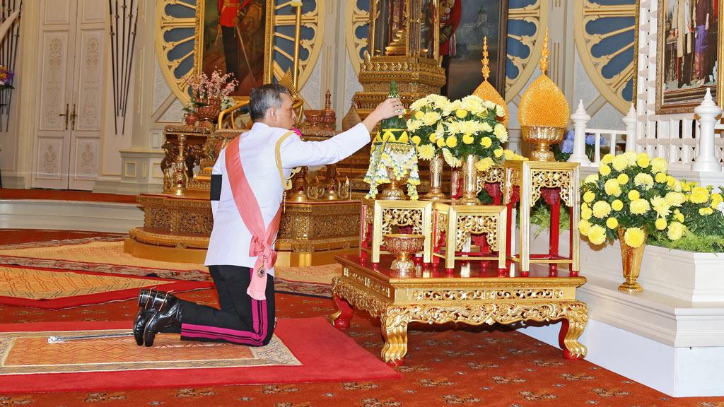 Crown Prince Vajiralongkorn becomes Thailand's new king