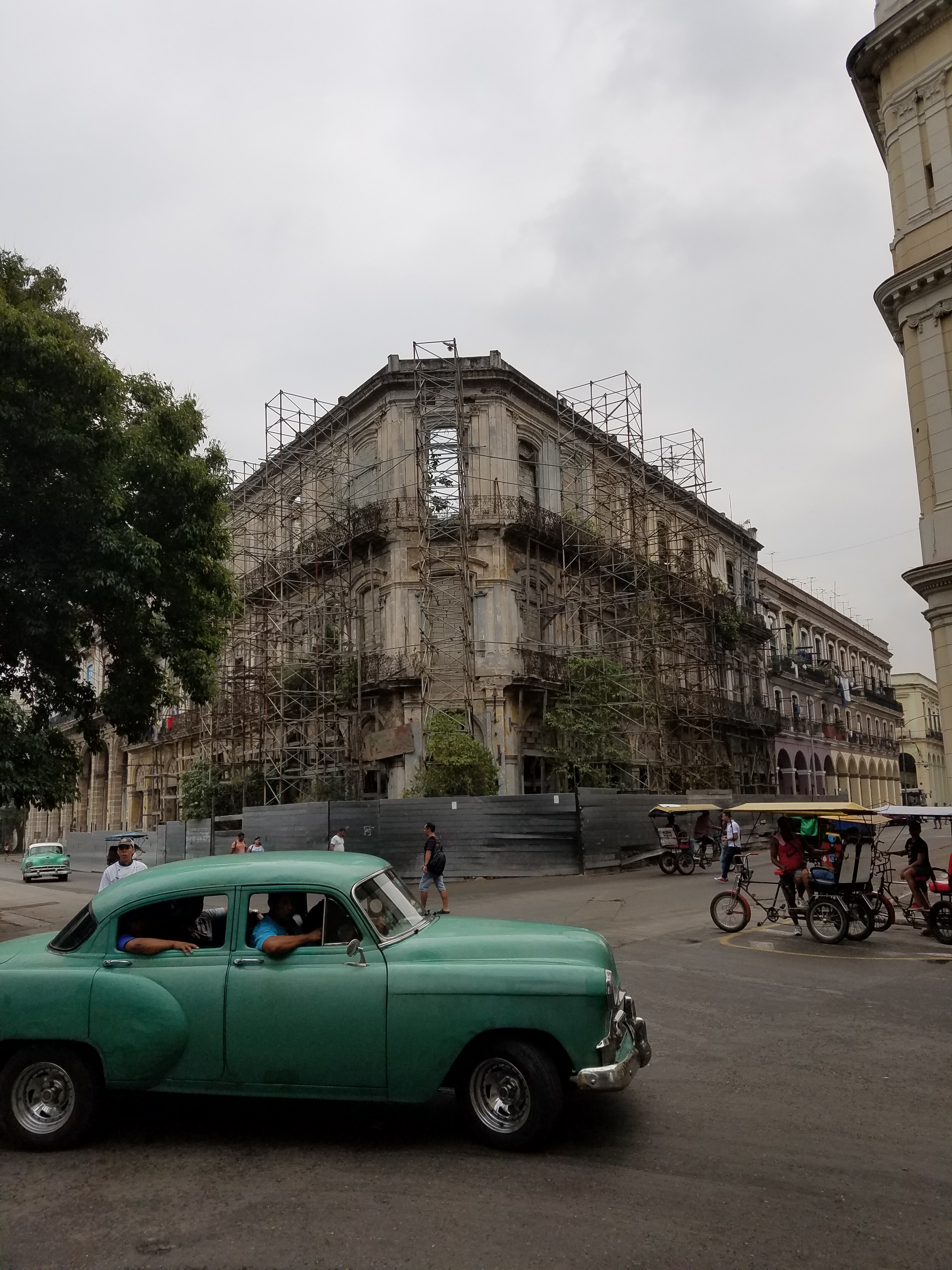 """""""Frozen in time"""" is how one British tourist described the sights of Havana. (9NEWS)"""