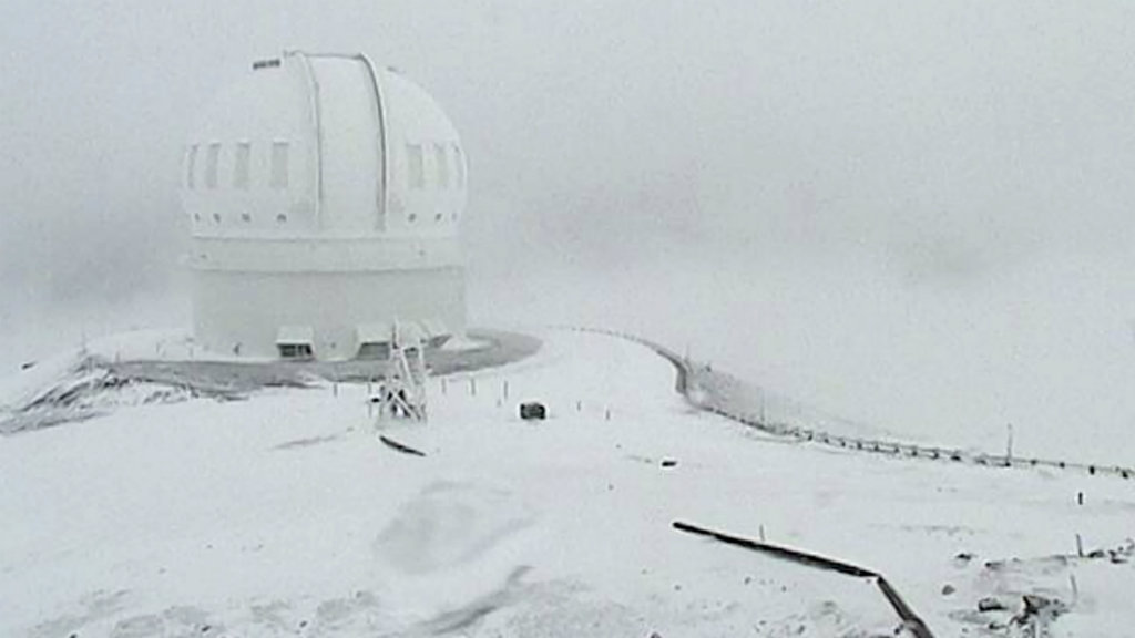 The dusting of snow has turned parts of Hawaii into a winter wonderland. (AAP)