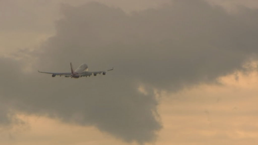 Two planes were diverted at Sydney airport, and one aborted landing due to severe weather. (9NEWS)