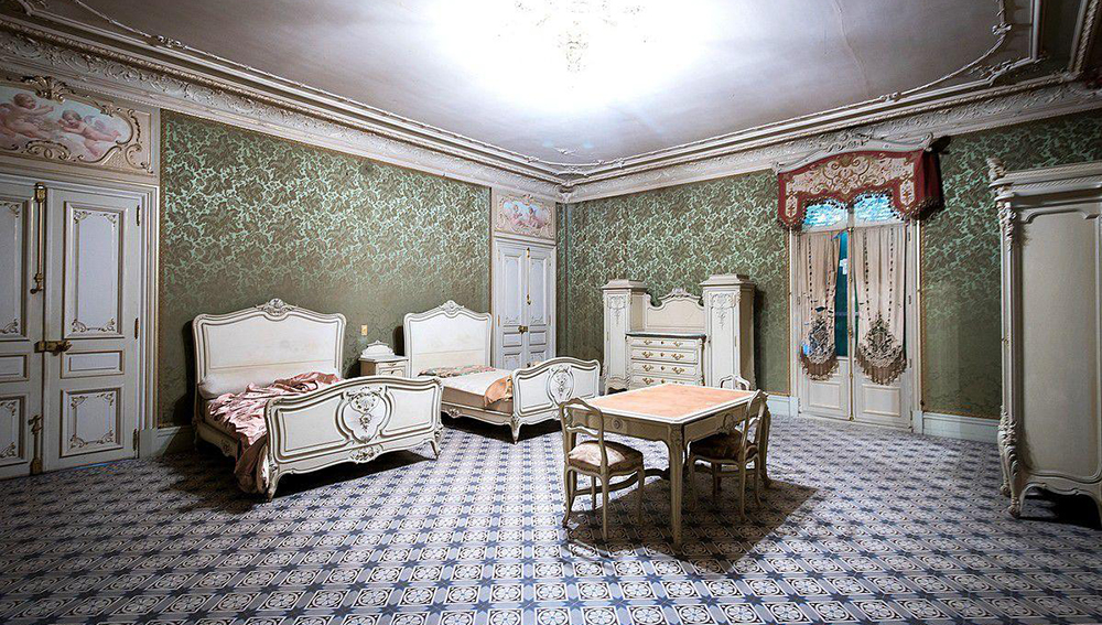 Man Cave Items For Sale Gumtree : Famous chateau listed on the french equivalent of gumtree