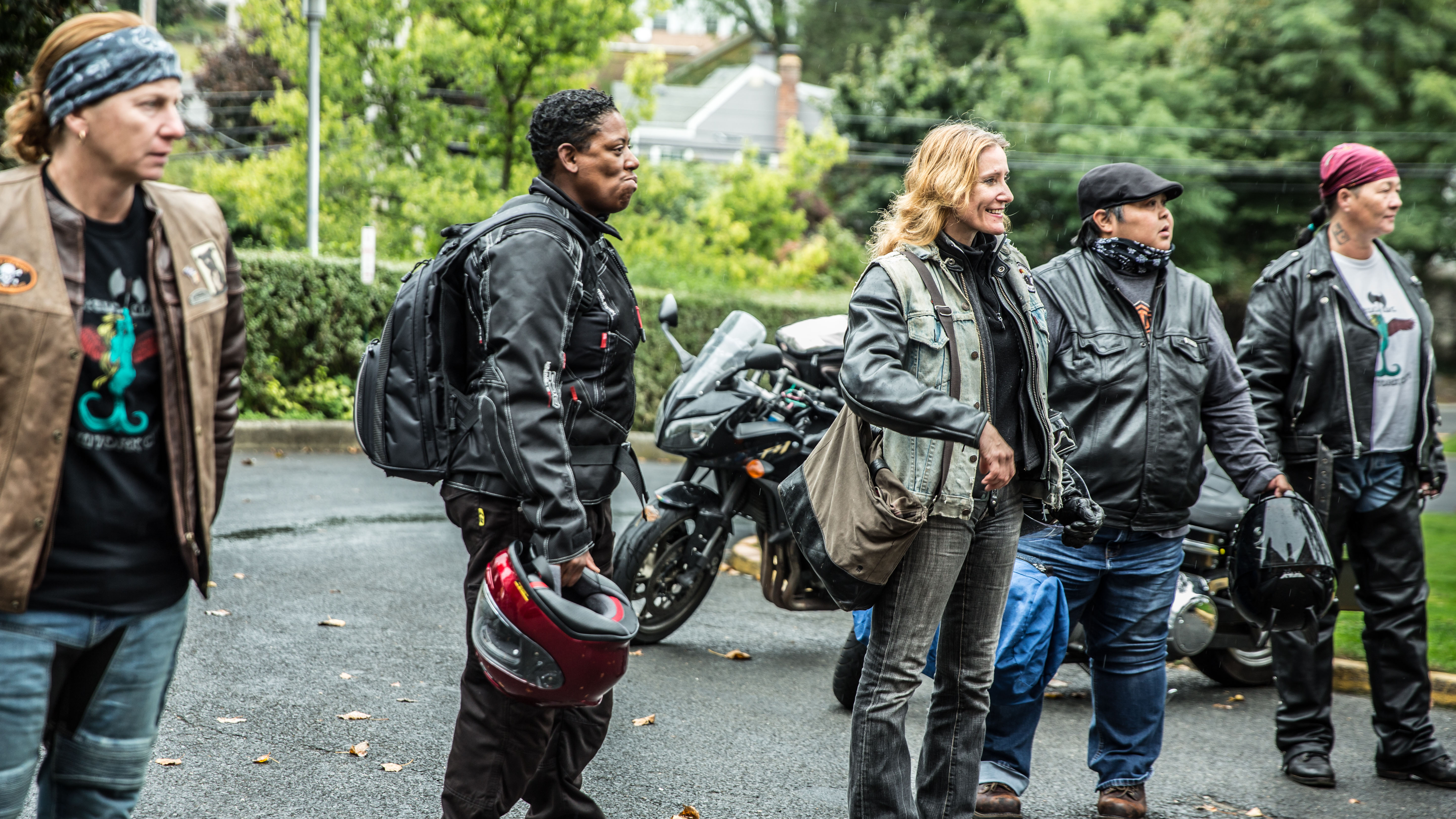 Female bikers beat NYC traffic to deliver breast milk to premature infants