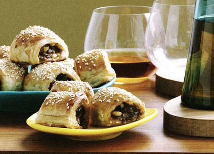"<a href=""http://kitchen.nine.com.au/2016/05/19/13/57/lamb-and-harissa-sausage-rolls"" target=""_top"">Lamb and harissa sausage rolls</a>"