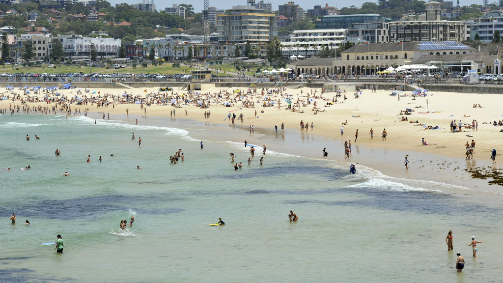 Crowds cool off at Bondi Beach today. (AAP)