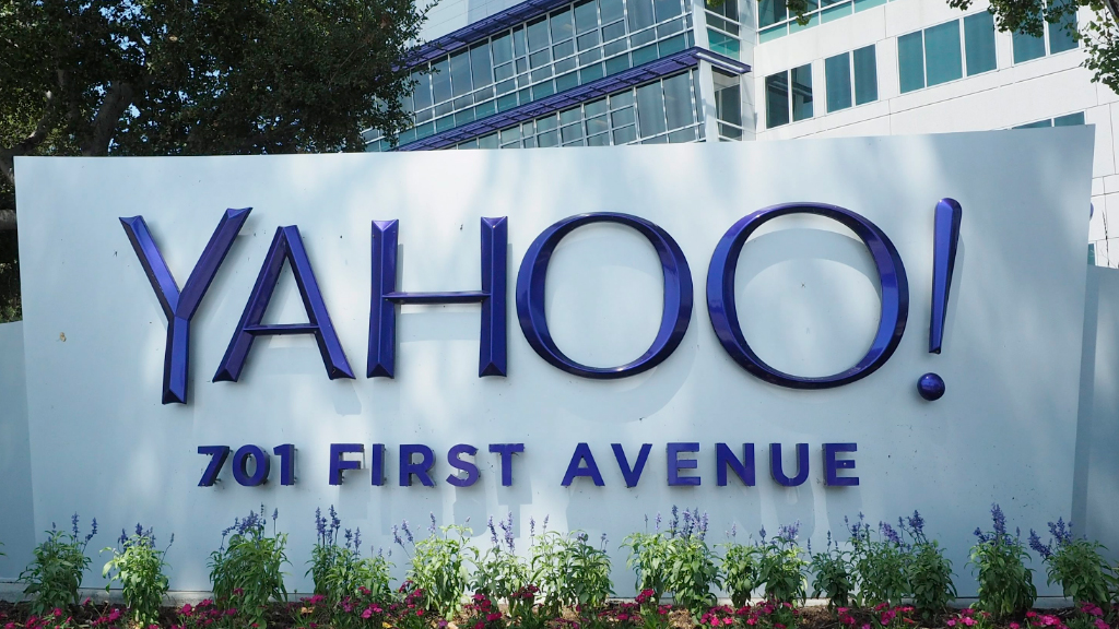 Yahoo issues warning to users of potential email account breach