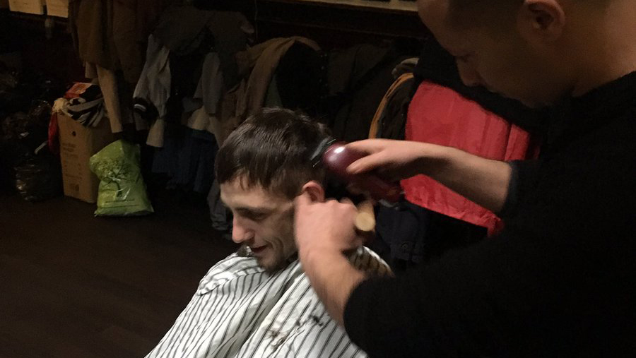 A hairdresser donated their services to cut guests' hair. (Twitter/ Old Nags Head)
