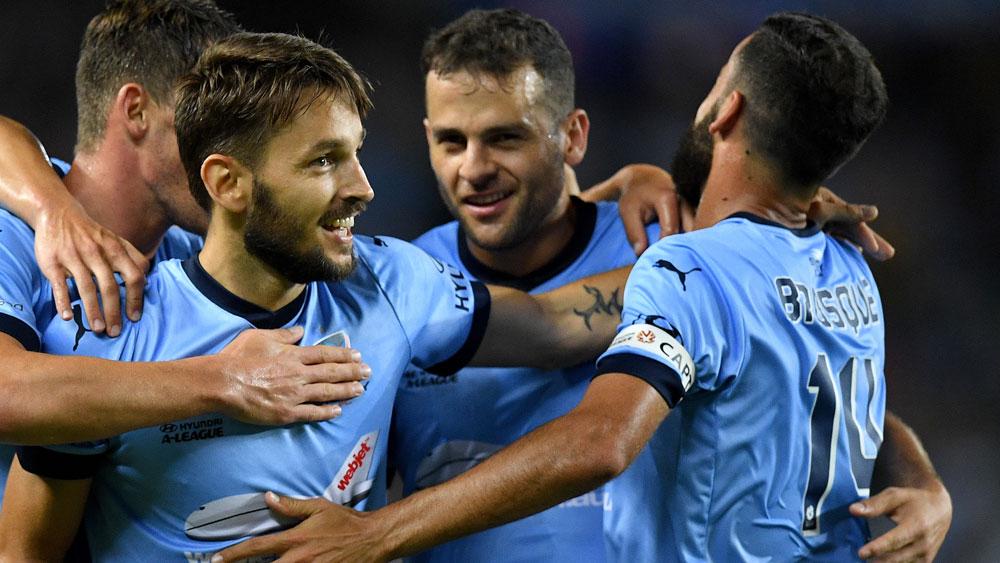 Ten-man Sydney FC hold off chasing Roar