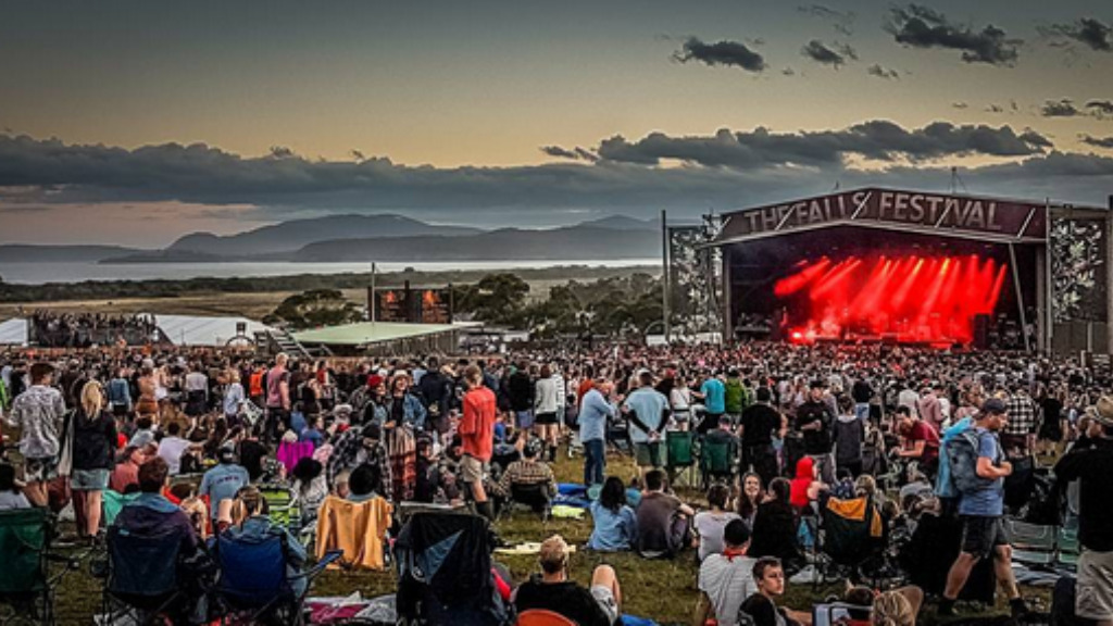 Falls Festival urges 'boys and men to have some respect' after assaults at Tasmania concert