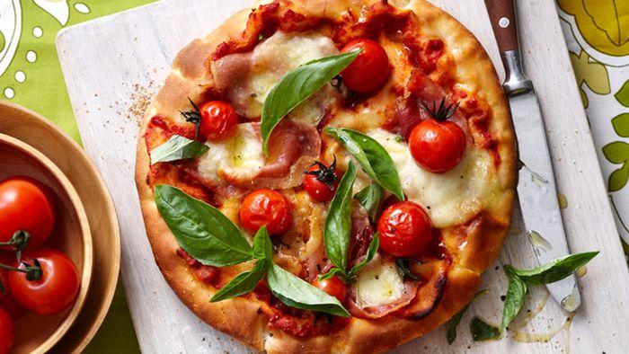 Barbecued flatbread pizzas
