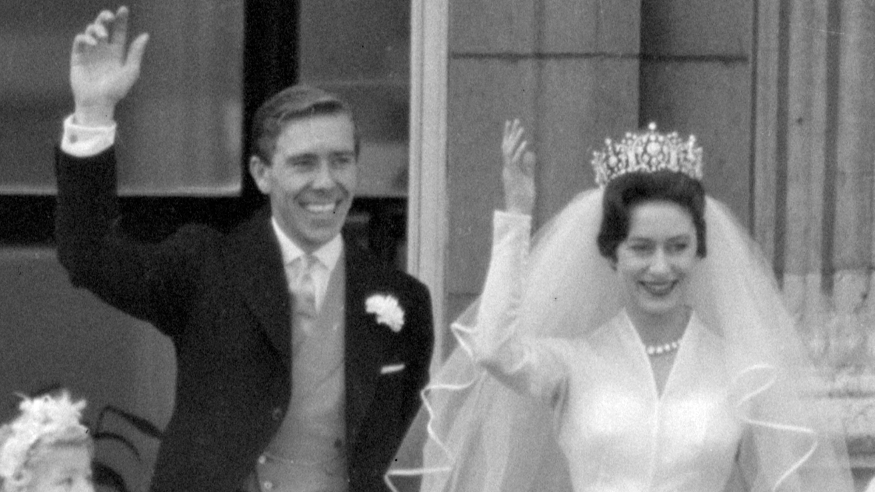 Lord Snowdon and Princess Margaret on their wedding day in 1960. (AAP)