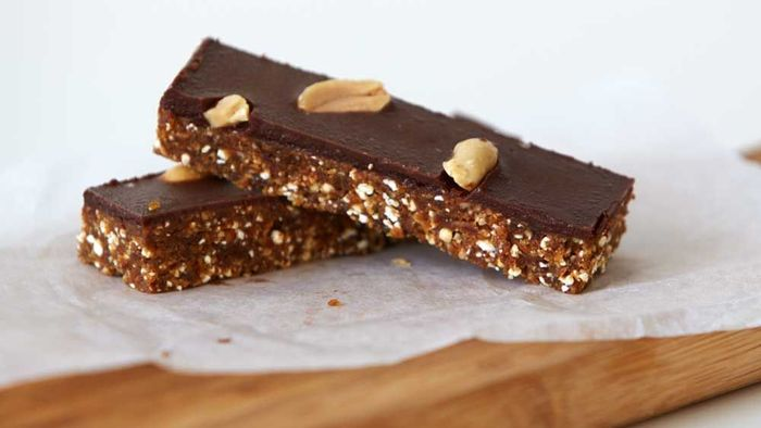 Urban Orchard's raw not-snickers bar