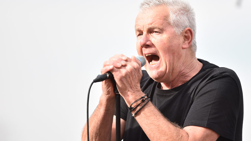 Daryl Braithwaite forced to cancel shows after being rushed to hospital