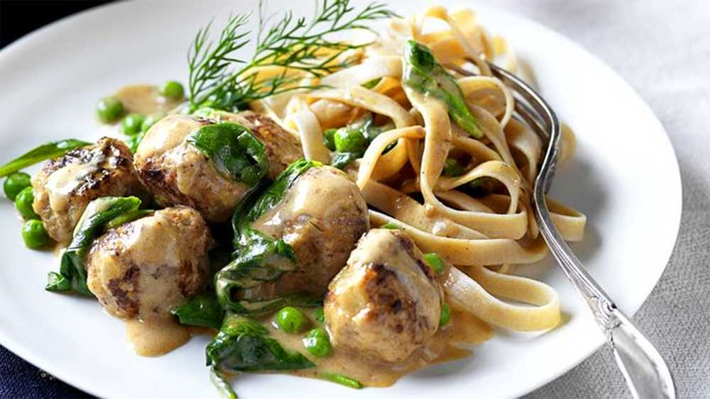 Swedish meatballs with fettucine