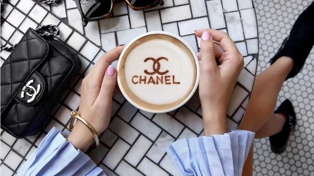 Chanel coffee art thumbnail image. Image: Instagram/@coffeenclothes