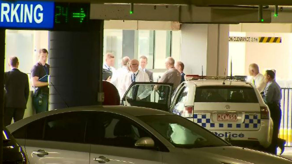 Killer of bloodied man found at Westfield Doncaster still at large
