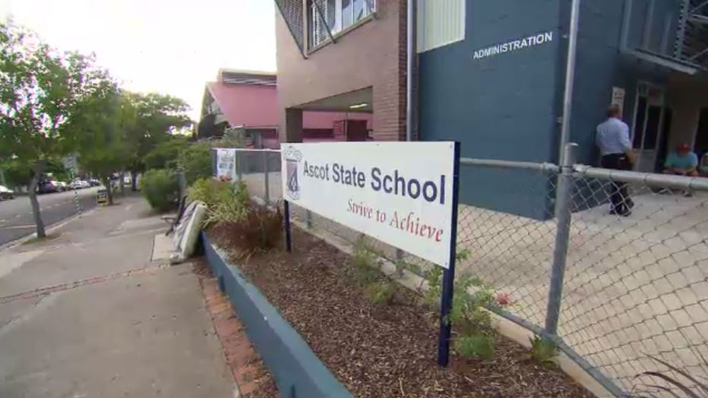 Parents camp out over weekend to get their children on Queensland public school's waiting list