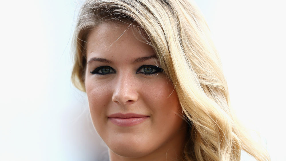 Canadian tennis star Eugenie Bouchard has lost a bet on Twitter over the New England Patriots' comeback in the Super Bowl. (AAP)