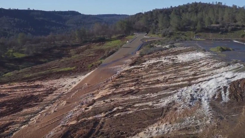 Oroville Dam is 230m high. (AAP)