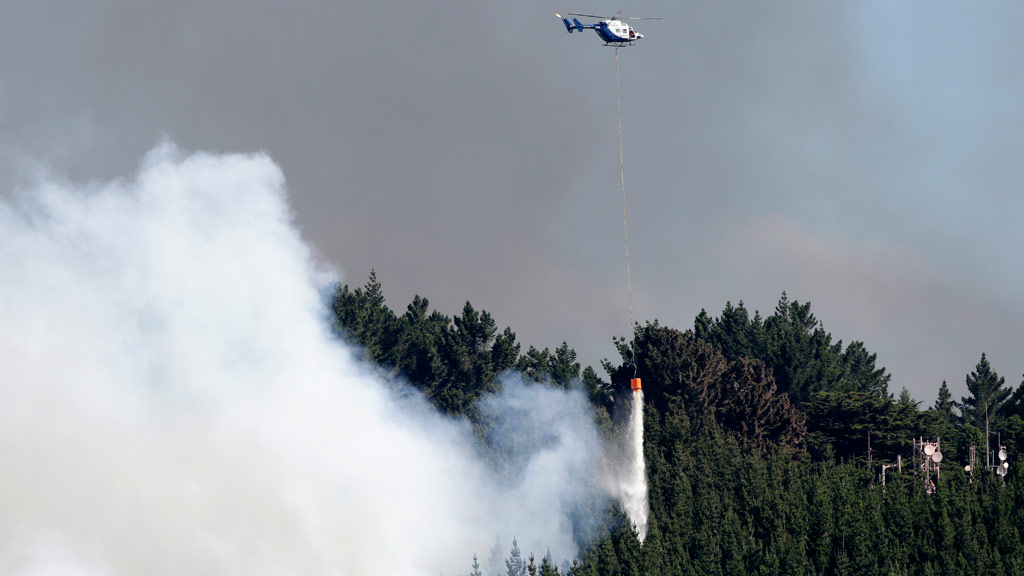 Hundreds evacuated as bushfire rages in Christchurch, New Zealand