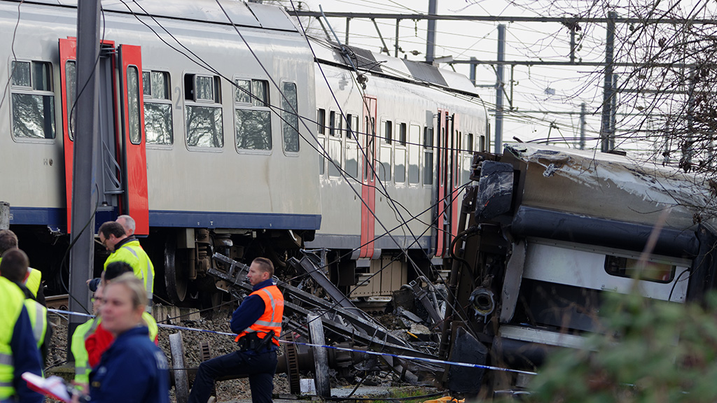 One dead and 20 injured after passenger train derails near Brussels