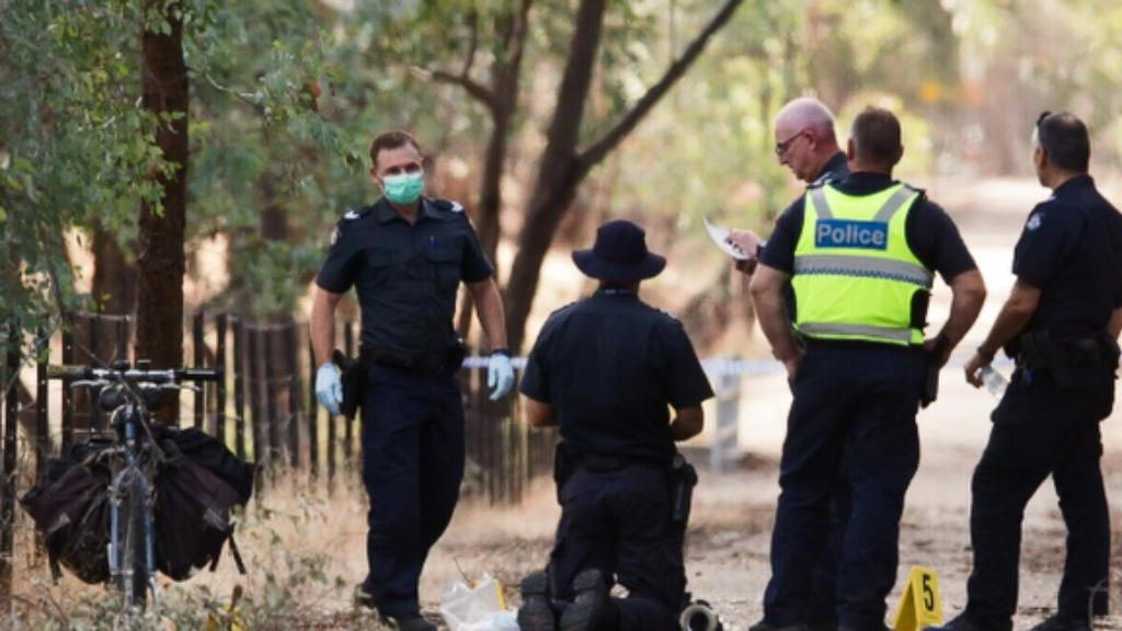Victoria Police continue to search for Mr Tennant's alleged shooter. (9NEWS)