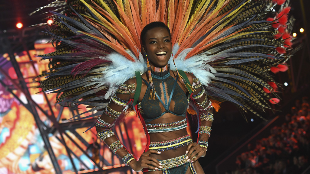 Maria Borges strutting her stuff for Victoria's Secret and doing it with natural hair too. Image: Getty.