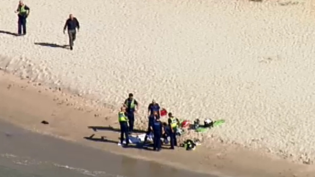 Man dead after being pulled from the water at Sorrento beach
