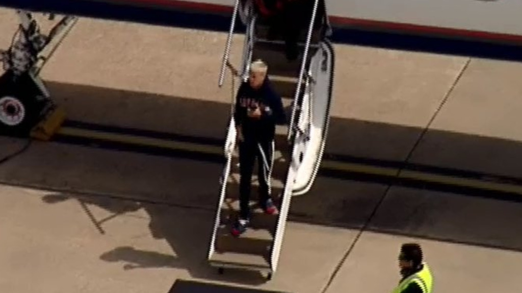 Bieber was seen using SnapChat as he disembarked the private jet. (9NEWS)