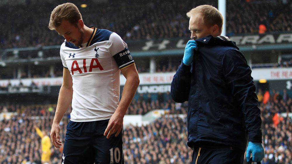 Tottenham through to FA Cup semis as Harry Kane hobbles off injured