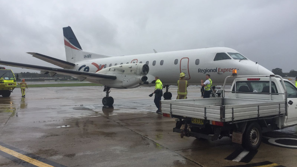 A Rex aircraftl landed in Sydney after losing a propeller on Friday. (Image: Supplied)