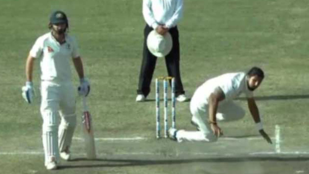 Indian tearaway Ishant Sharma struggles to keep afoot against Australia