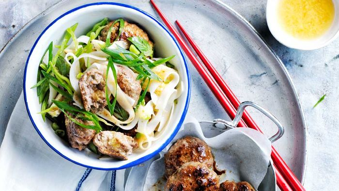 "<a href=""http://kitchen.nine.com.au/2017/03/21/10/03/thai-beef-patties-and-rice-noodle-salad"" target=""_top"">Thai beef patties and rice noodle salad</a>"
