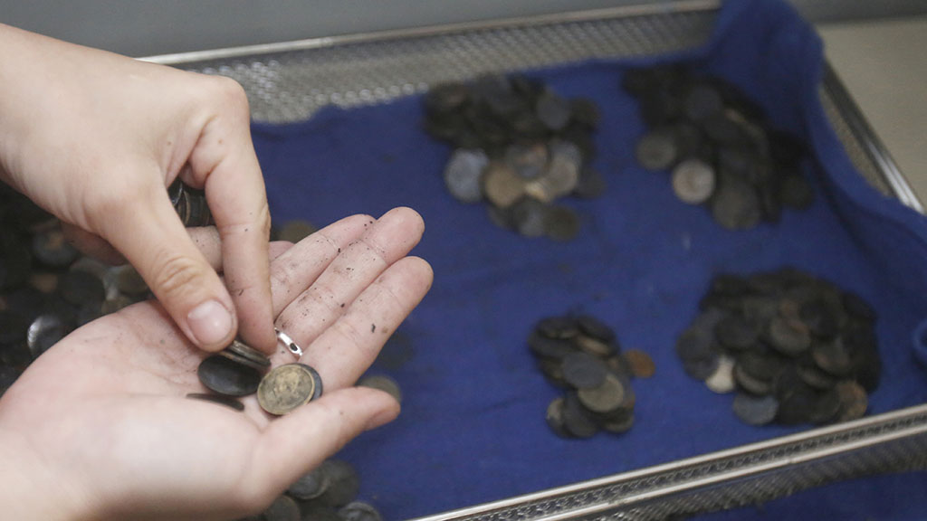 Bank lived in a public pond which tourists frequently threw coins into for good luck. (AAP)