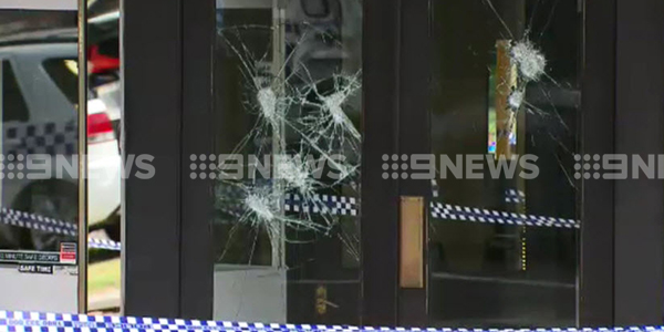 The thieves targeted the store about 1.25pm. (9NEWS)