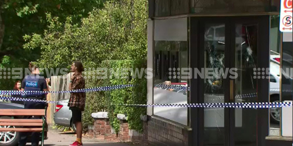 A trio of masked robbers have raided a Canterbury jewellery store. (9NEWS)
