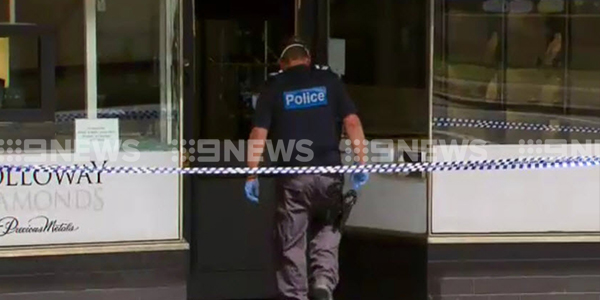 Police taped off Holloway Diamonds on Canterbury Road. (9NEWS)