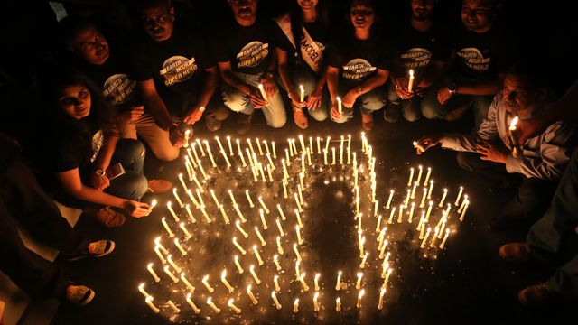 In pictures: Landmarks turn off their lights for Earth Hour