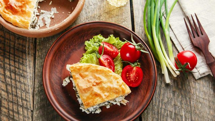 """<a href=""""http://kitchen.nine.com.au/2017/04/03/17/44/low-fat-spinach-pie"""" target=""""_top"""">Low-fat spinach filo pie</a><br /> <br /> <a href=""""http://kitchen.nine.com.au/2017/04/03/17/58/what-one-perfect-day-of-eating-looks-like-autumn-edition"""" target=""""_top"""">RELATED: What one perfect day of eating looks like</a>"""