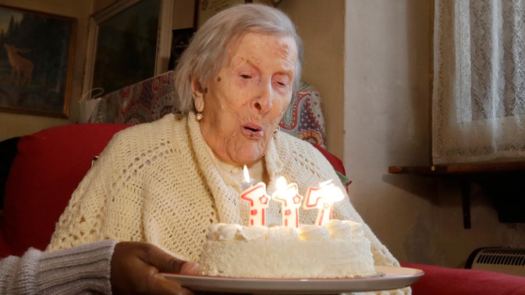 Emma Morano celebrating her 117th birthday last year. (AAP)