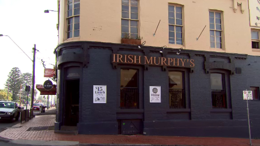 The ordeal unfolded at Irish Murphy's pub in Geelong. (9NEWS)