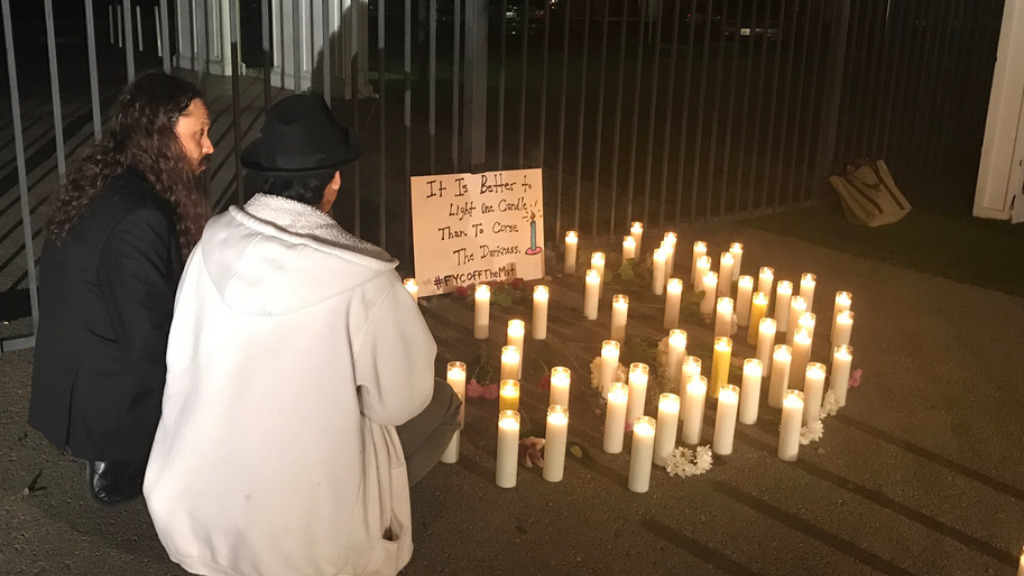 Locals laid tributes for the victims, who remain unidentified. (Twitter @nataliebrunell)