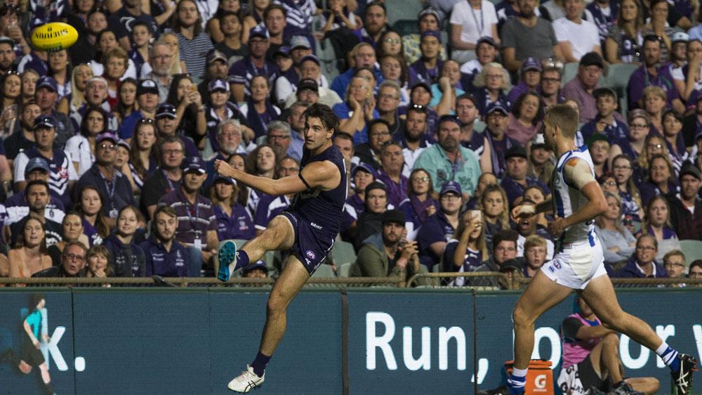 Dockers pip Kangaroos in AFL thriller