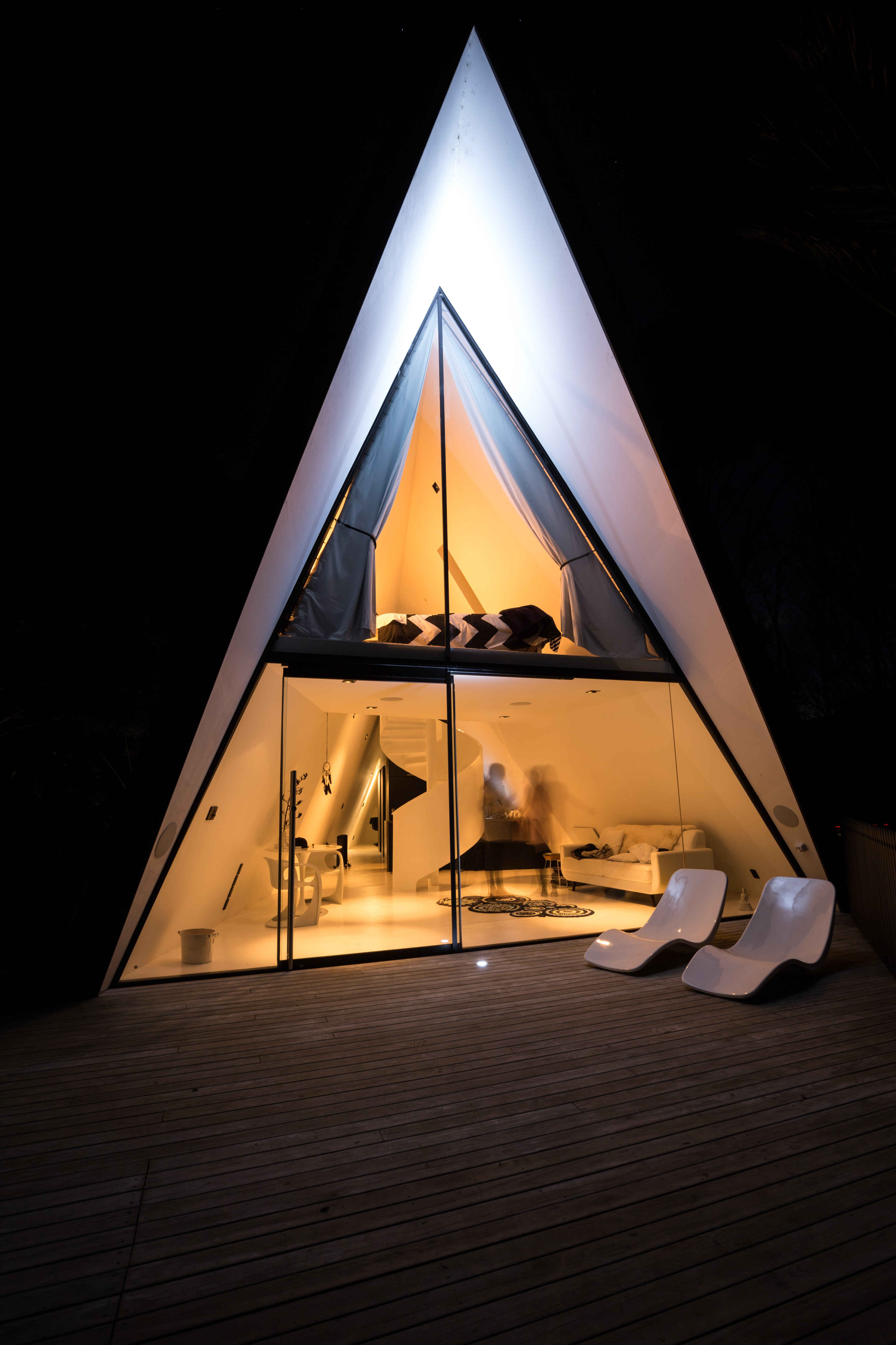 Man Builds Incredible House Shaped Like A Tent 9homes