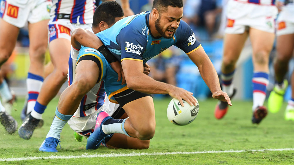 Jarryd Hayne scores a try for the Titans. (AAP)
