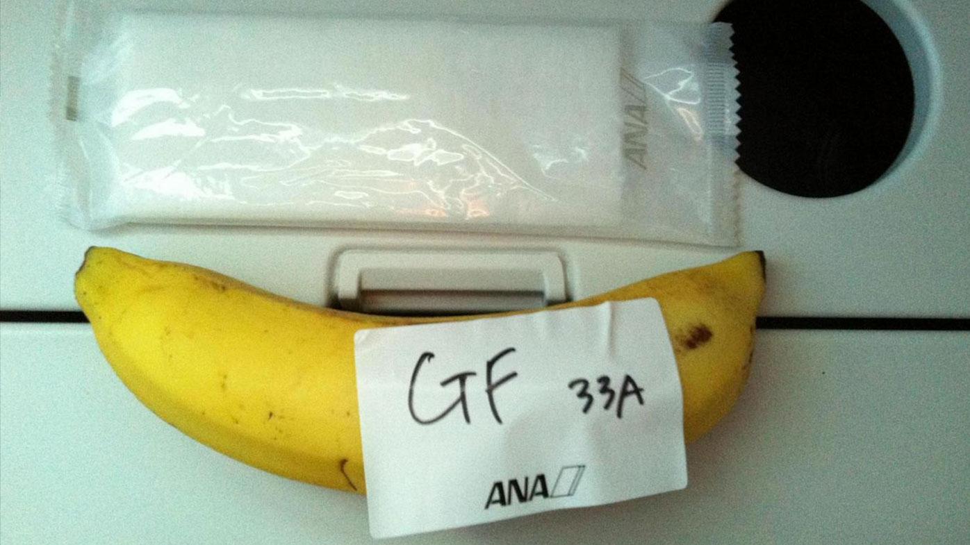 Gluten-free passenger served single banana for nine-hour flight