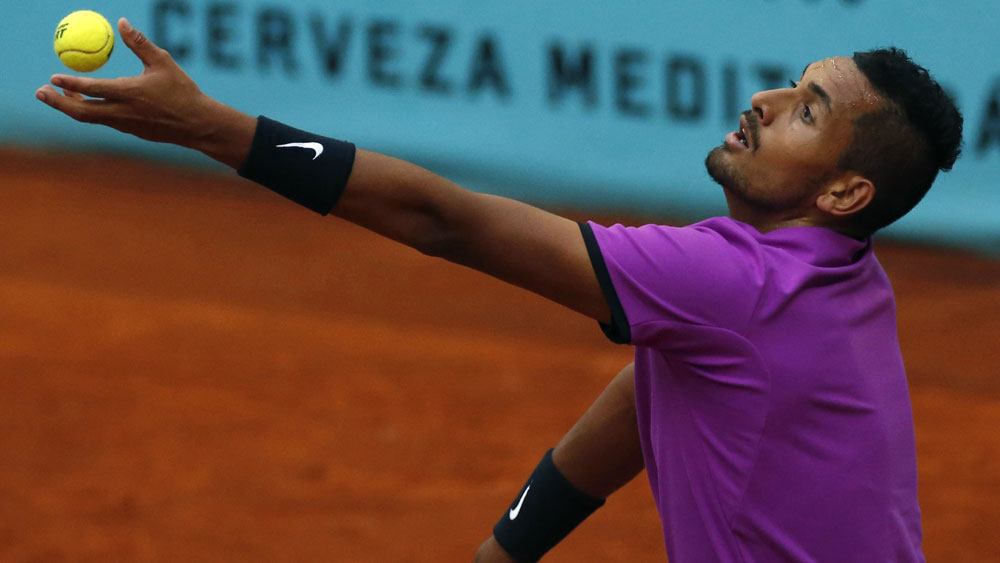Djokovic eases into quarter-finals of Madrid Open